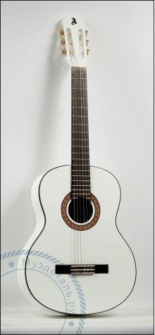 Гитара классическая Alicante Laura